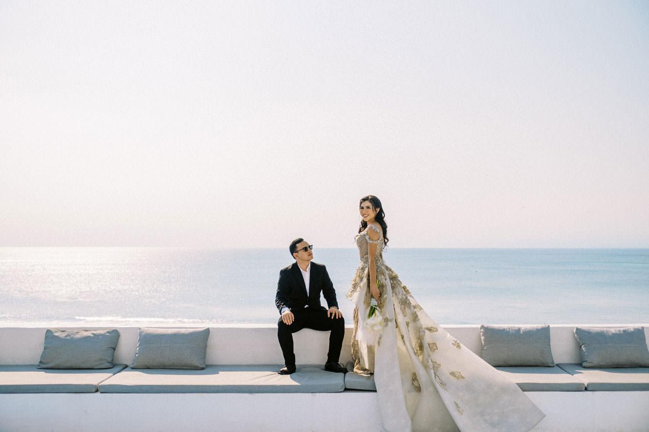 Glam Santorini Prewedding at Morabito Art Cliff 1