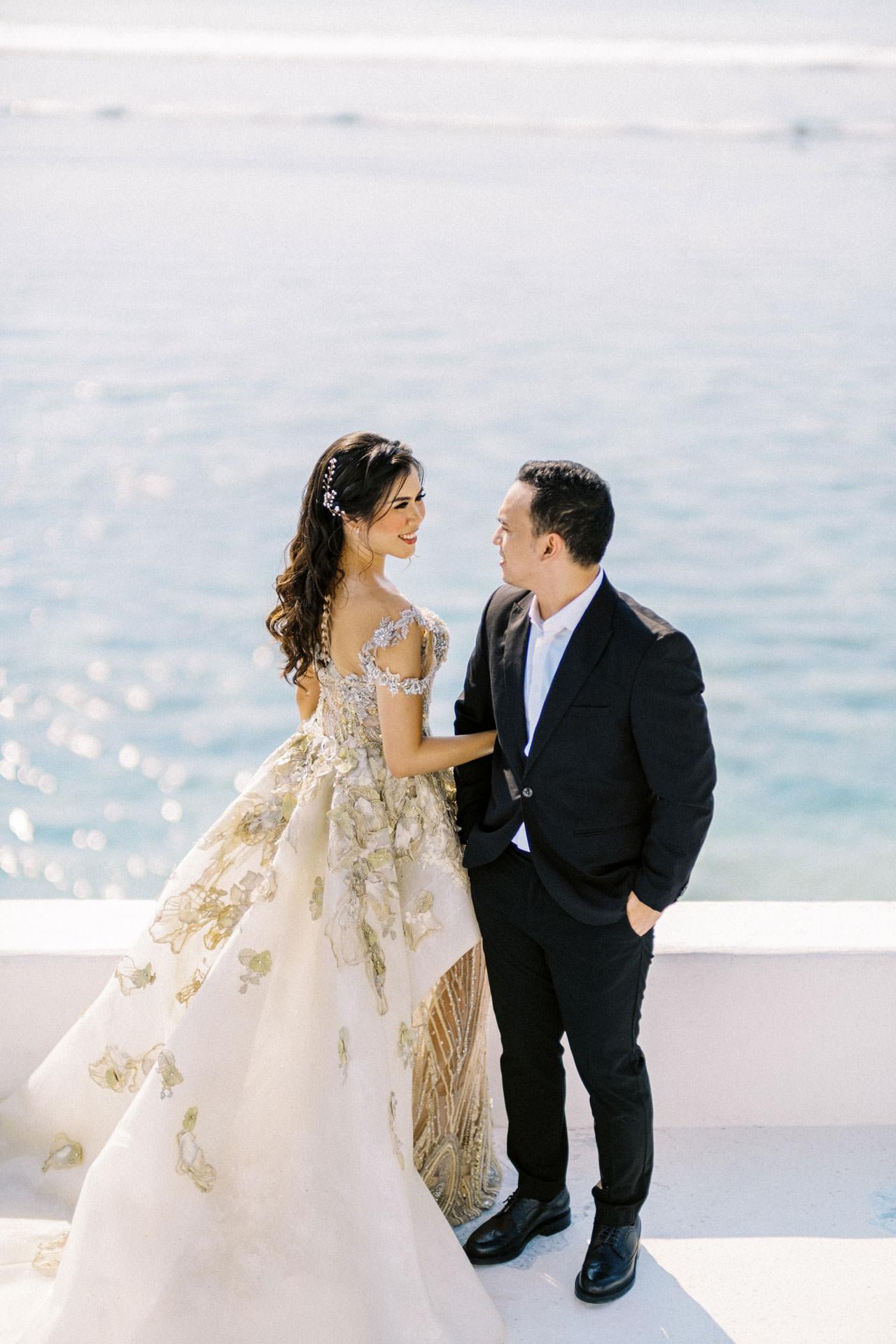 Glam Santorini Prewedding at Morabito Art Cliff 3