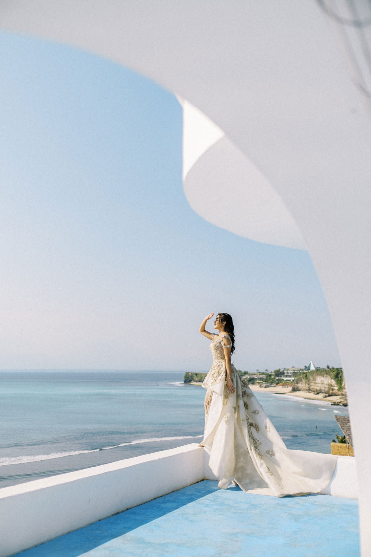 Glam Santorini Prewedding at Morabito Art Cliff 4