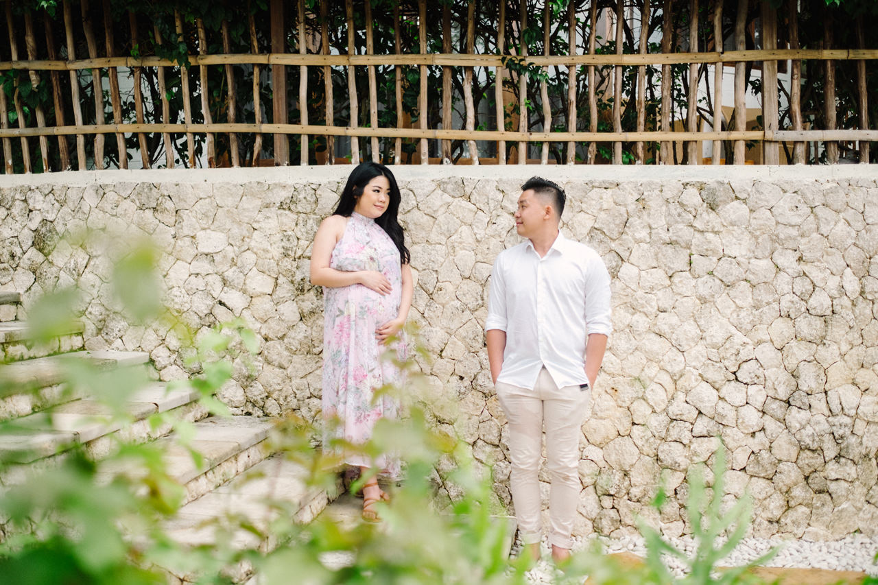Romantic Beach Maternity Shoot in Bali 3