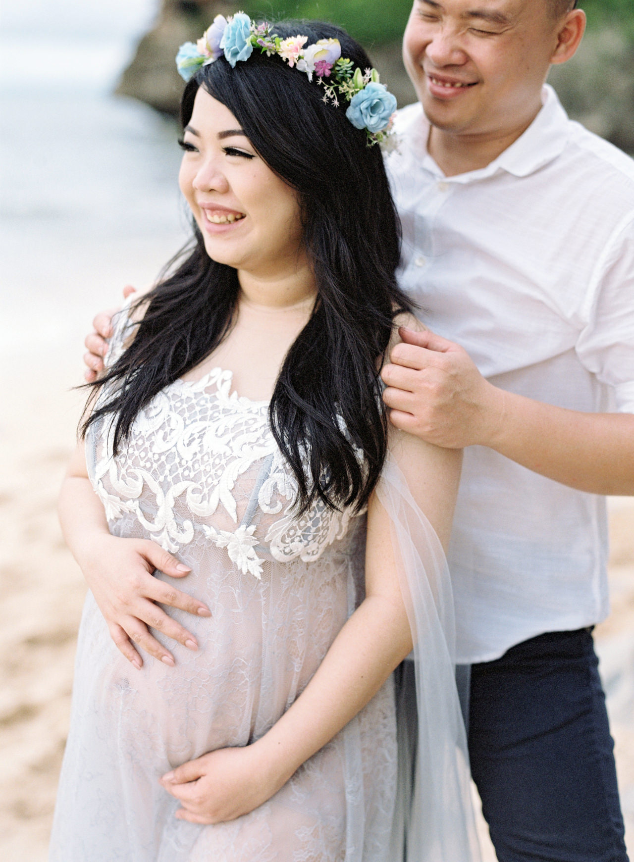 Romantic Beach Maternity Shoot in Bali 5