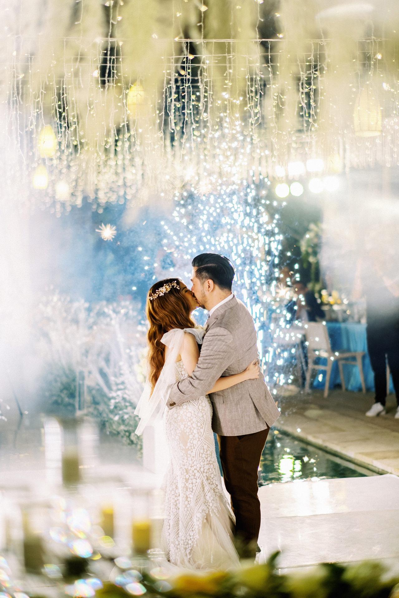 M&S: Shades of Blue Villa Plenilunio Bali Wedding 103