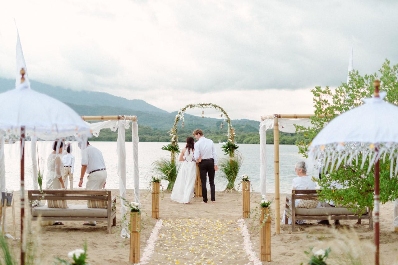 M&V: Sunset Beach Wedding Photography at The Menjangan Dynasty Resort 22