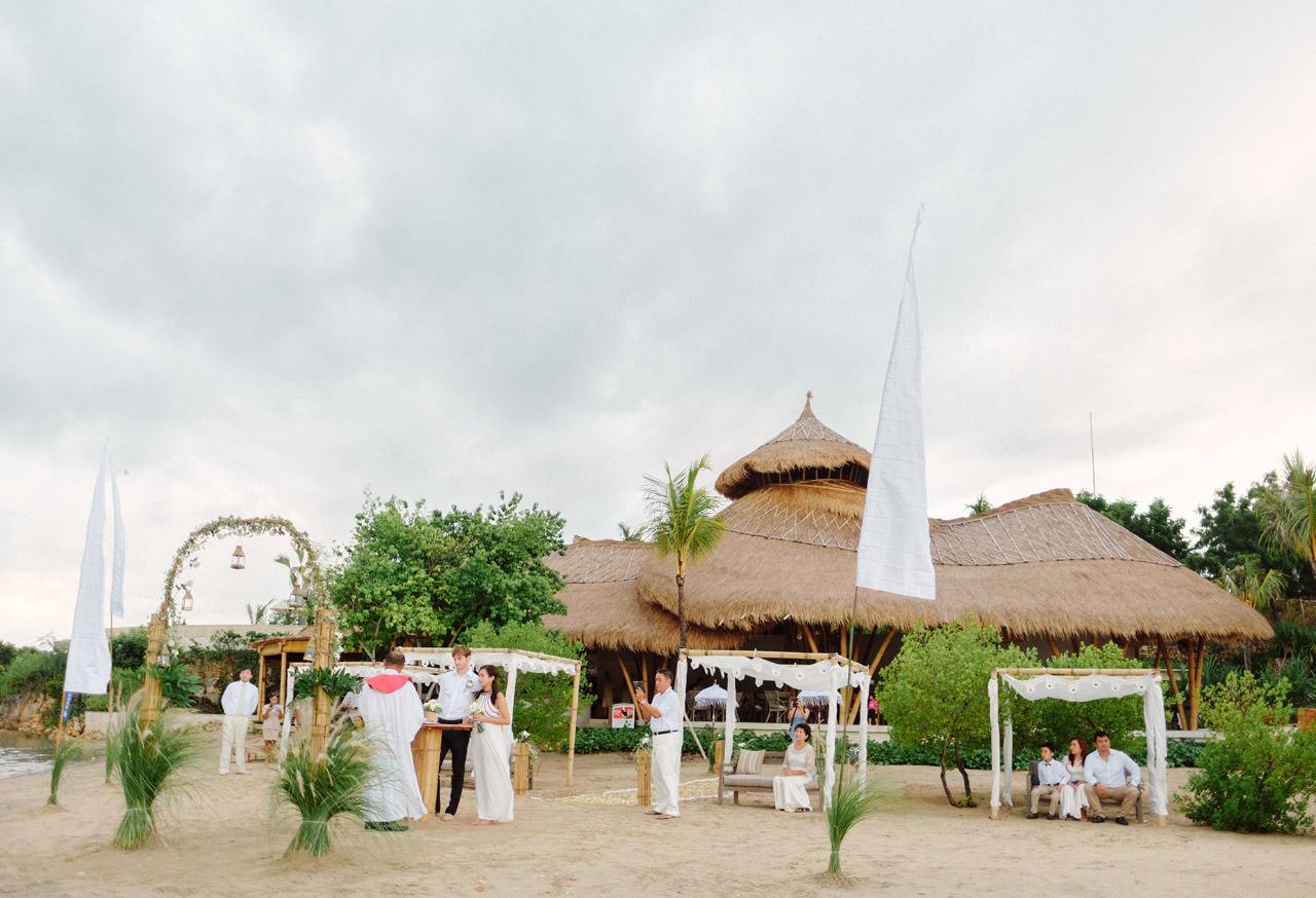 M&V: Sunset Beach Wedding Photography at The Menjangan Dynasty Resort 31