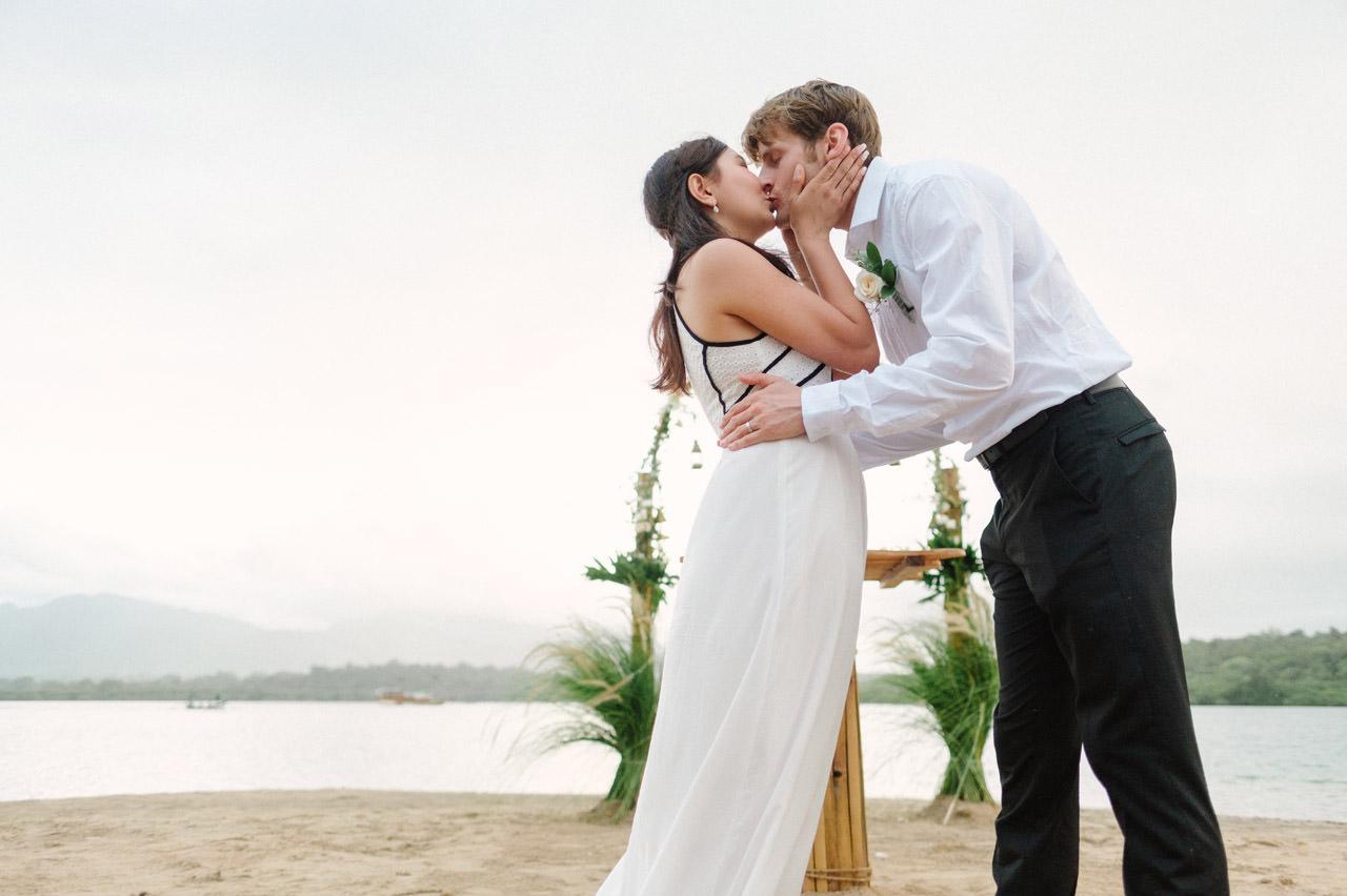 M&V: Sunset Beach Wedding Photography at The Menjangan Dynasty Resort 42