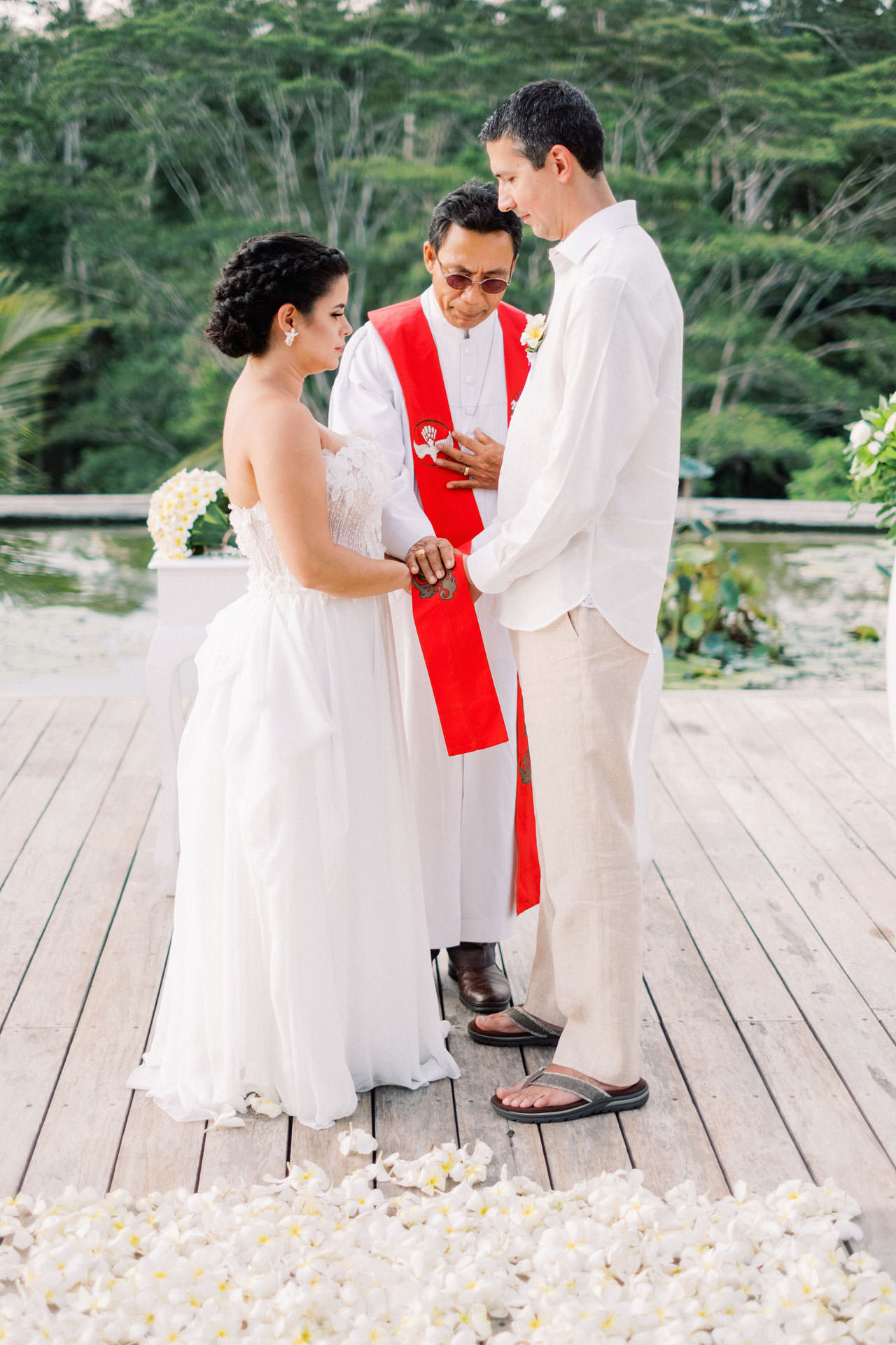 Relax and Intimate Four Seasons Ubud Elopement 12