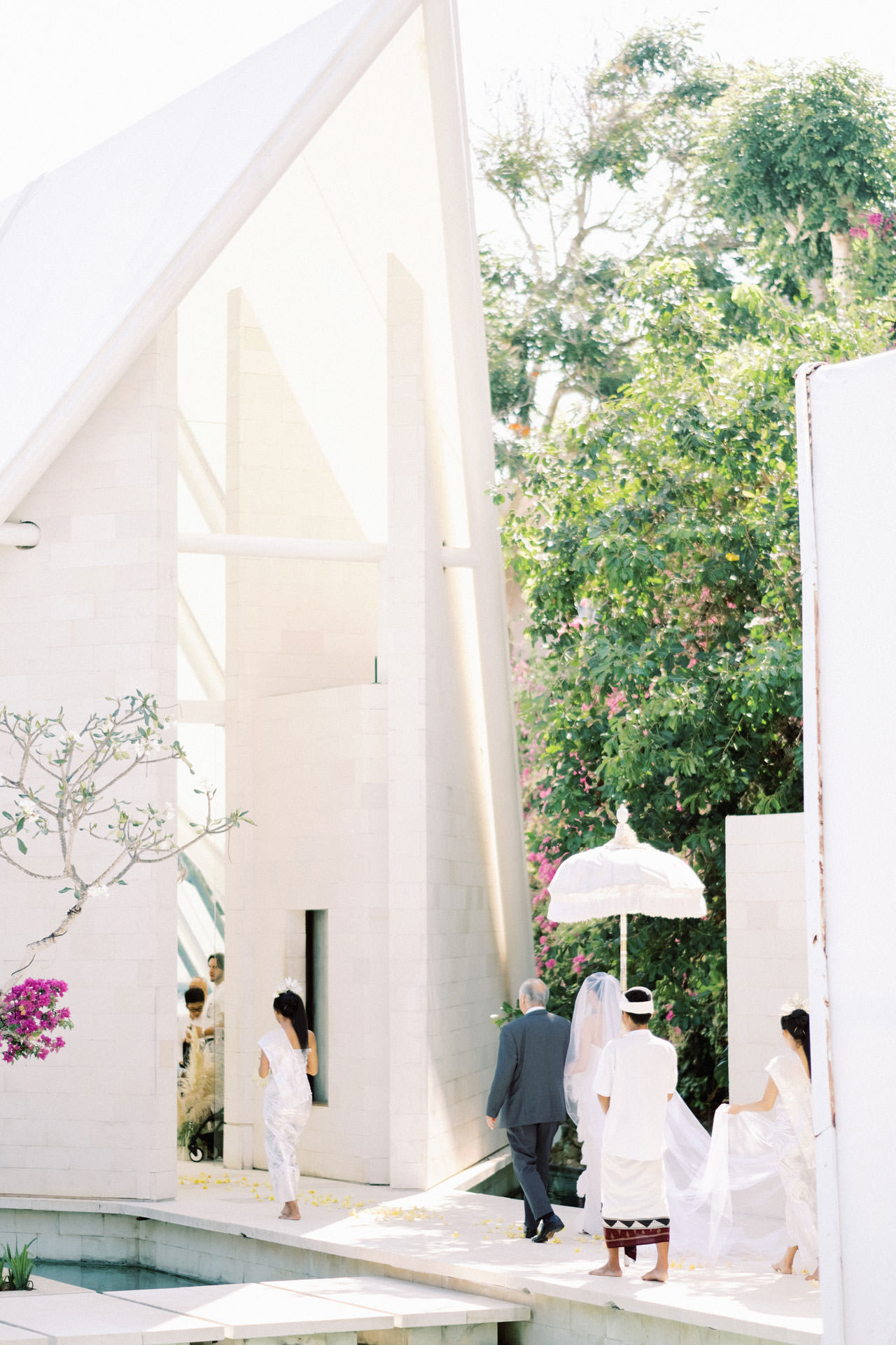 Tirtha Uluwatu Wedding with Reception at The Glass House Bali 15