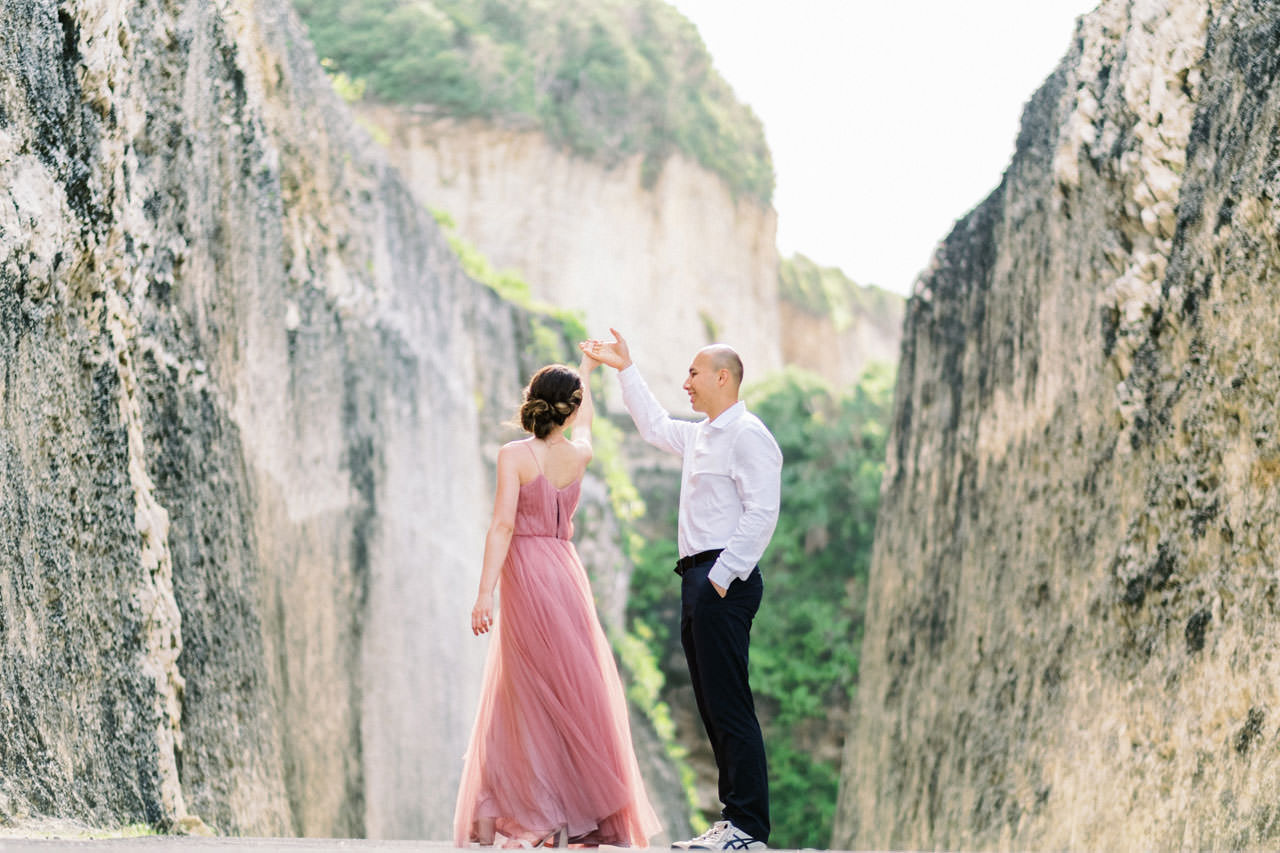 N&D: Sunrise Melasti Beach Bali Prewedding Photos 15