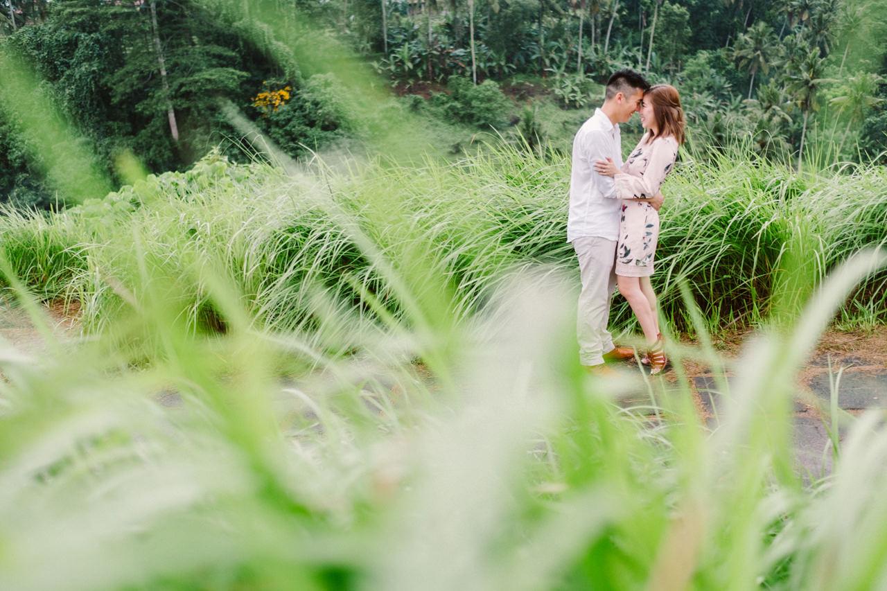 R&A: Rainy Day Engagement Photoshoot in Ubud 2