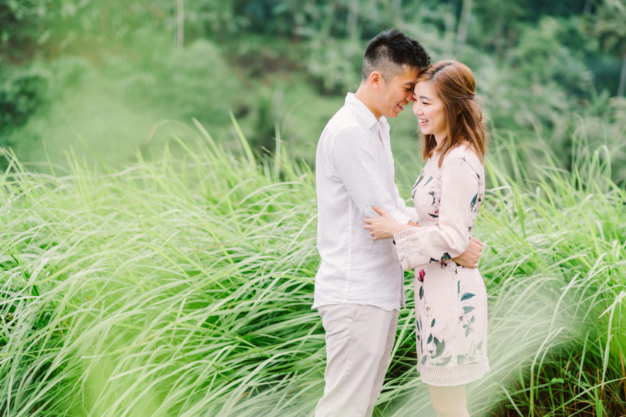 R&A: Rainy Day Engagement Photoshoot in Ubud 3
