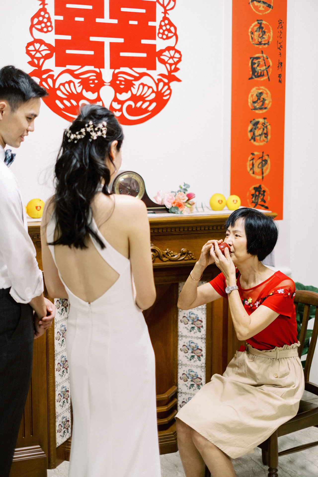 Elegant Raffles Hotel Singapore Wedding 9