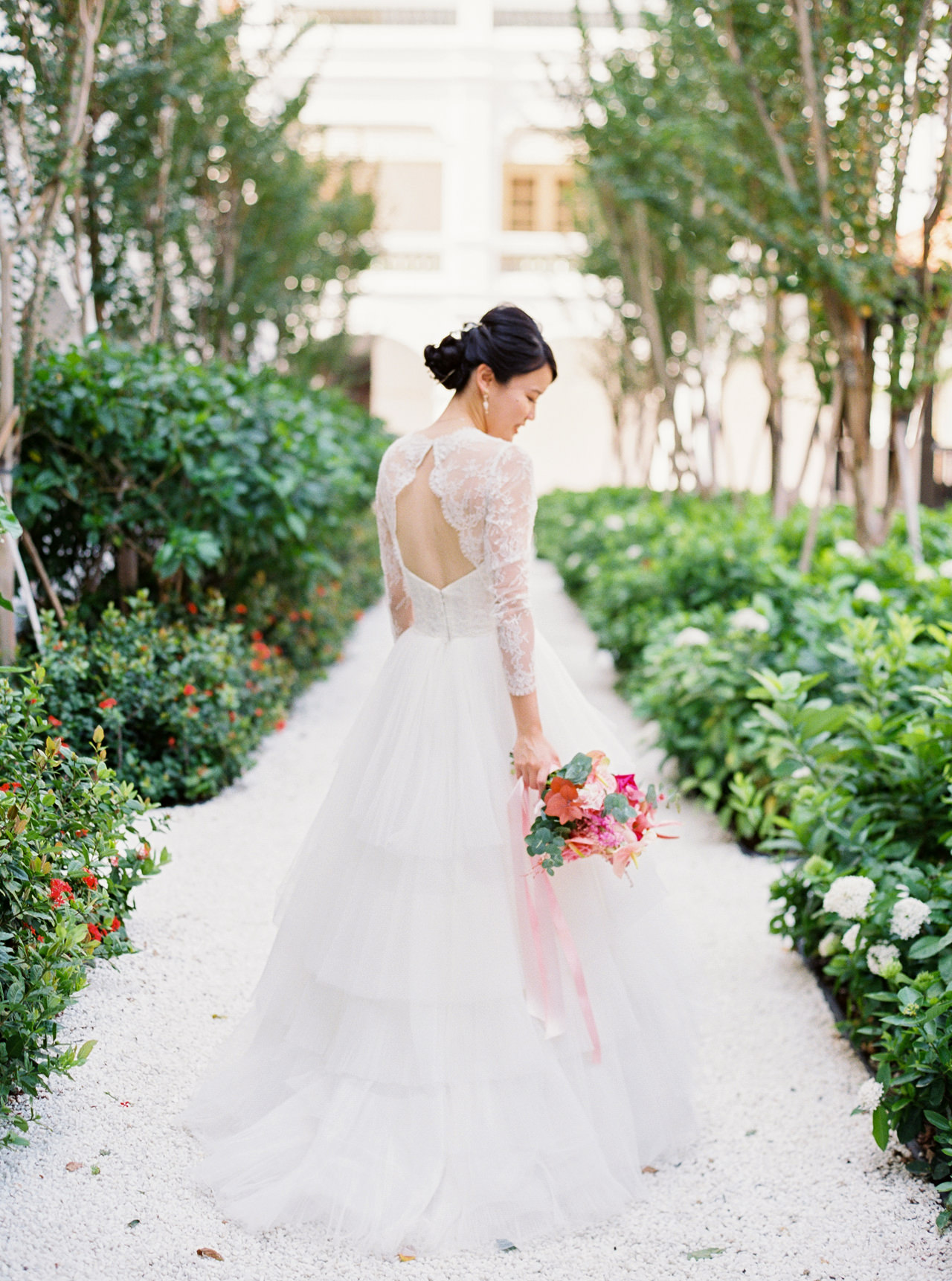 Elegant Raffles Hotel Singapore Wedding 30