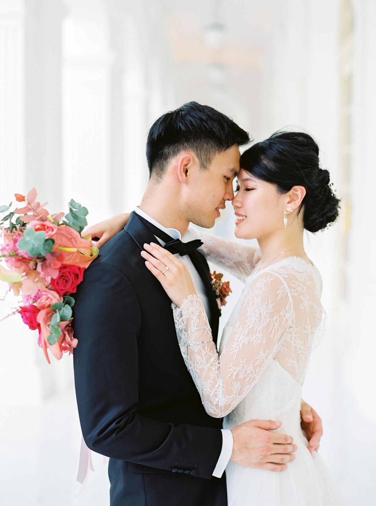 Elegant Raffles Hotel Singapore Wedding 41