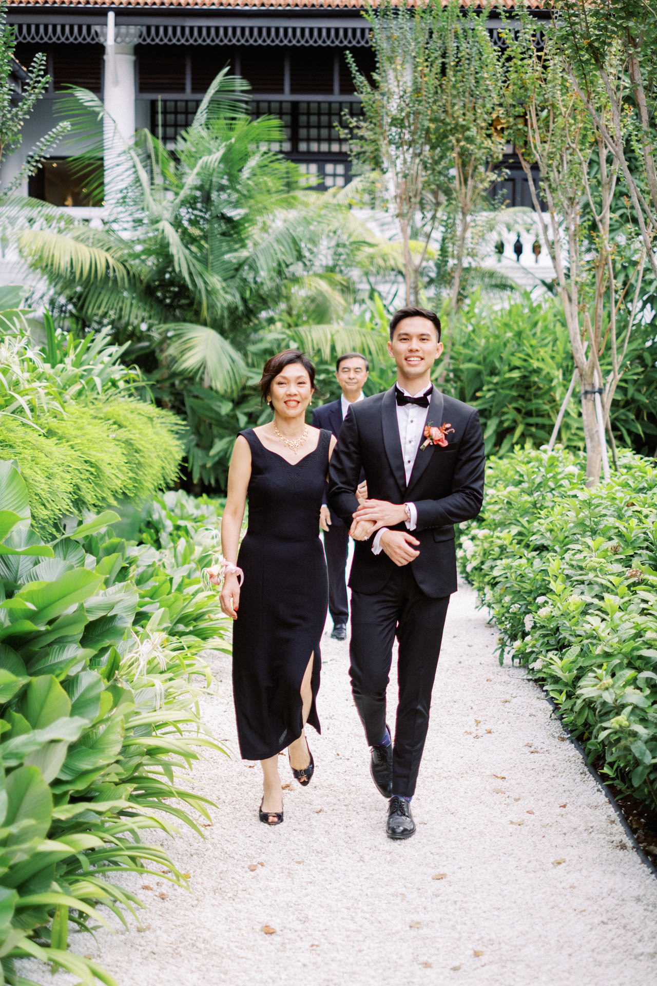 Elegant Raffles Hotel Singapore Wedding 46