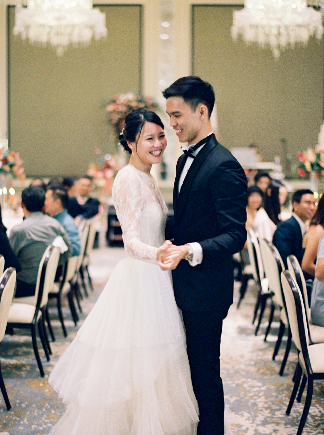 Elegant Raffles Hotel Singapore Wedding 65