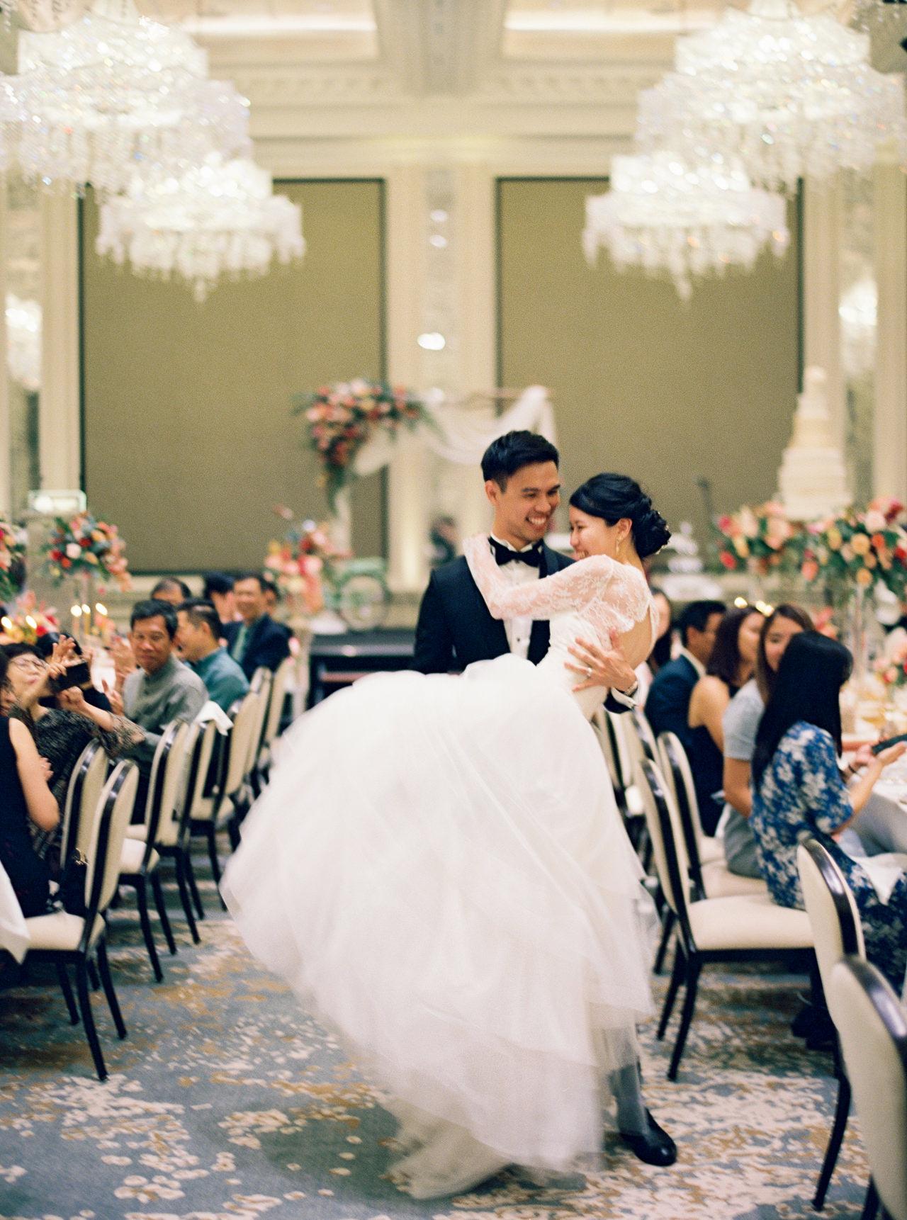 Elegant Raffles Hotel Singapore Wedding 66