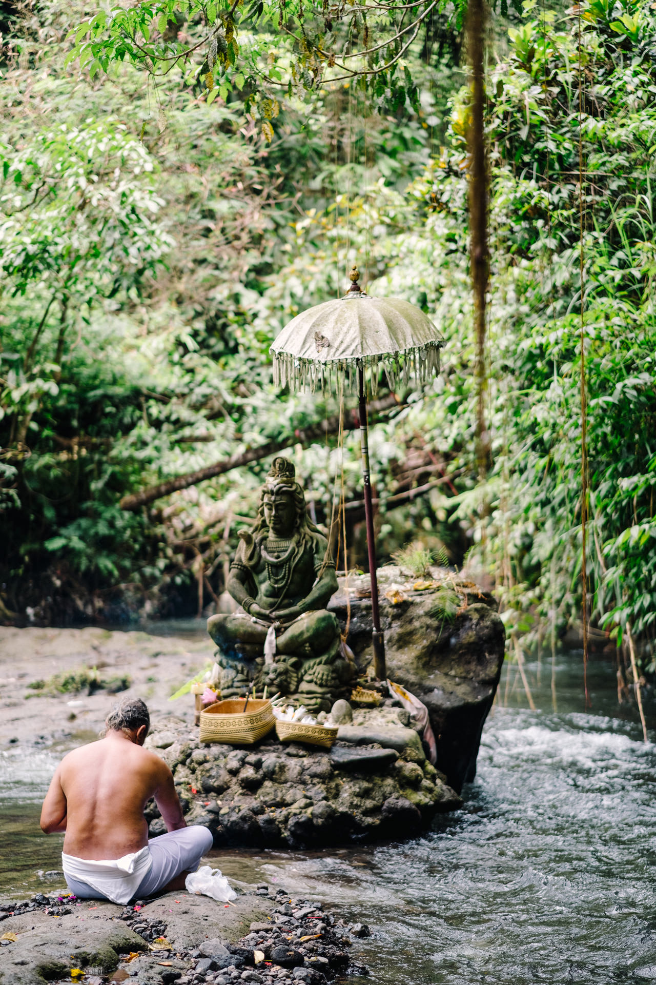 K&R: Adventurous Mount Batur Bali Engagement Photography 17