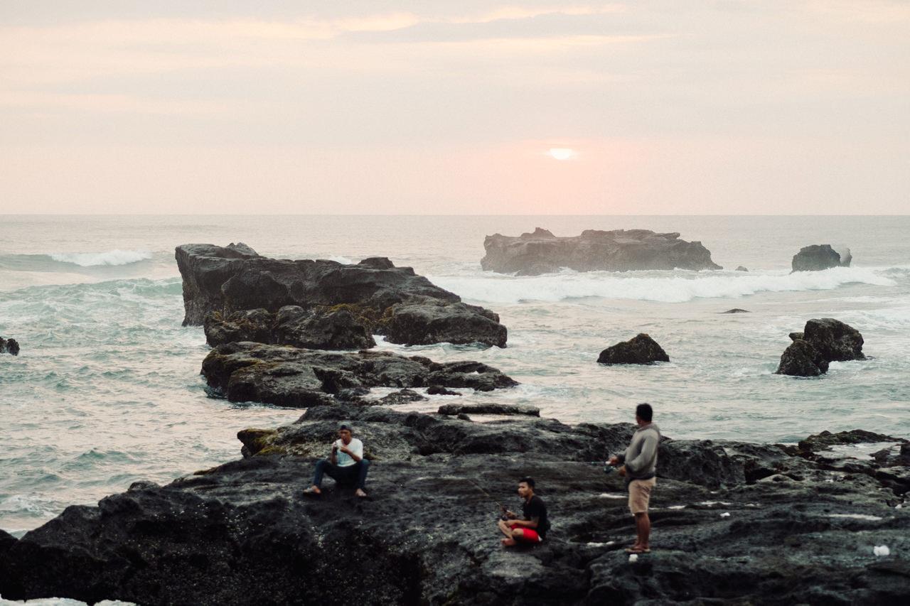 F&S: A Light and Airy Bali Beach Wedding Destination 30