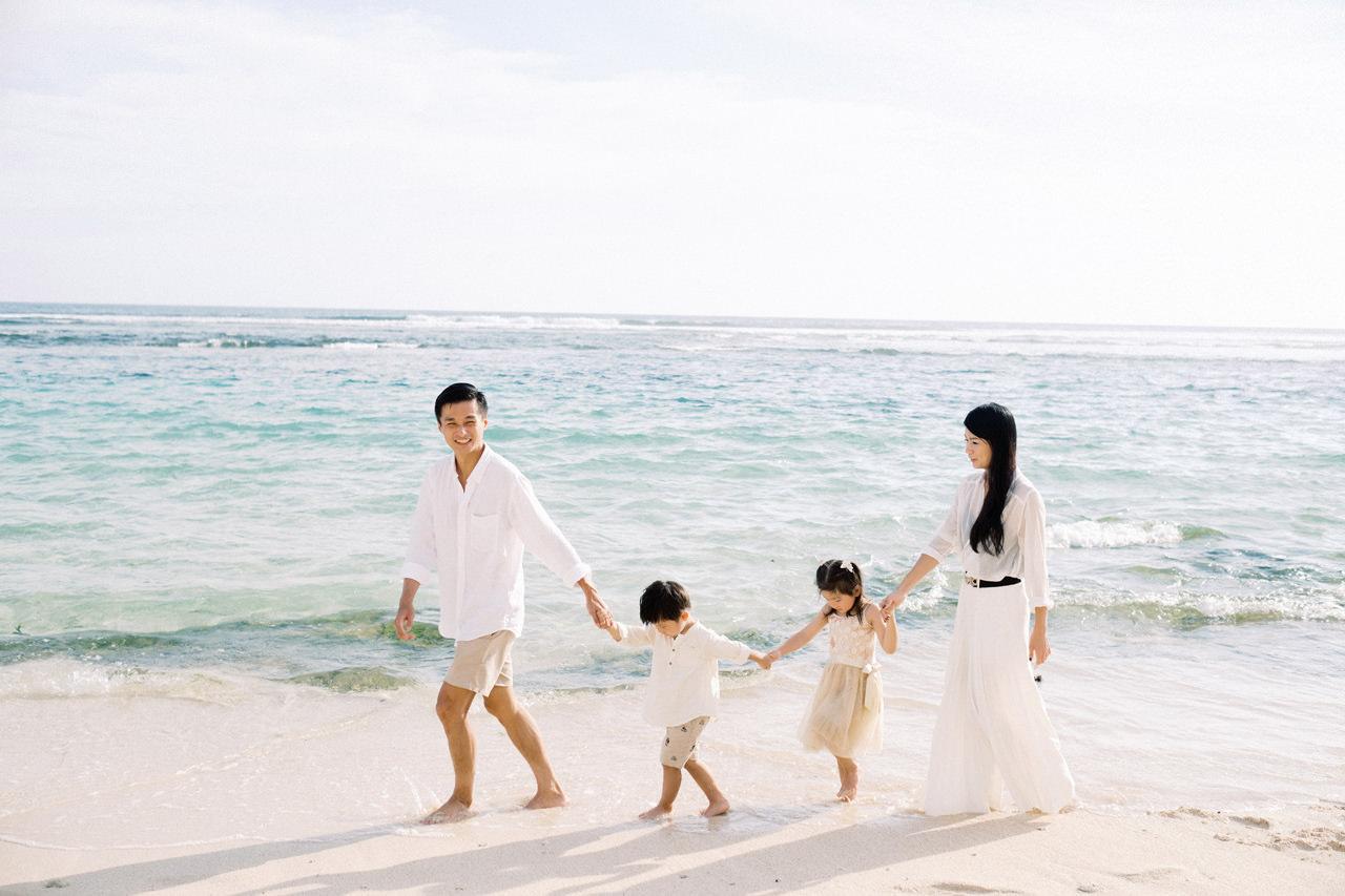 S&G: Bali Family Vacation Photo at The Beach 10