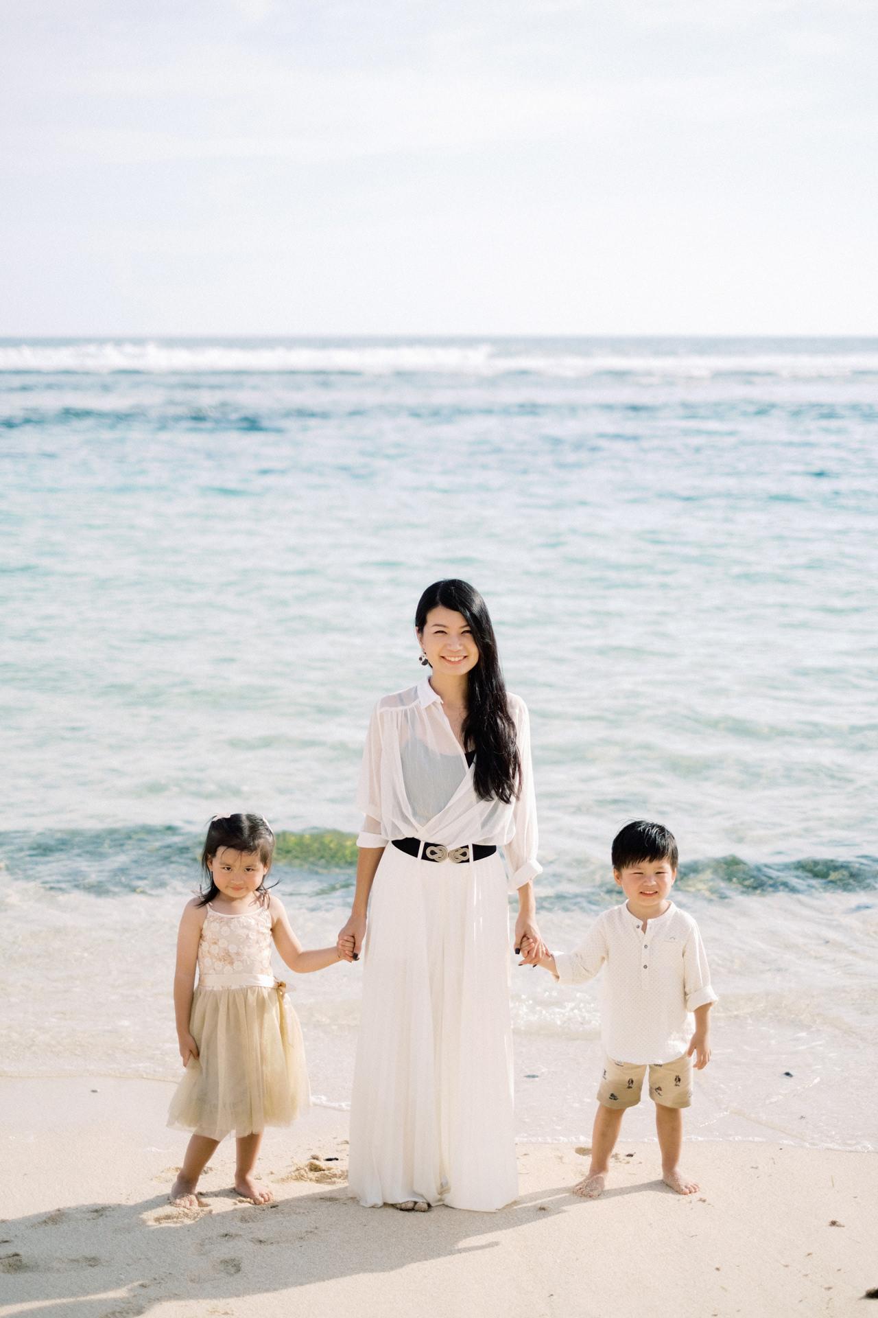 S&G: Bali Family Vacation Photo at The Beach 11