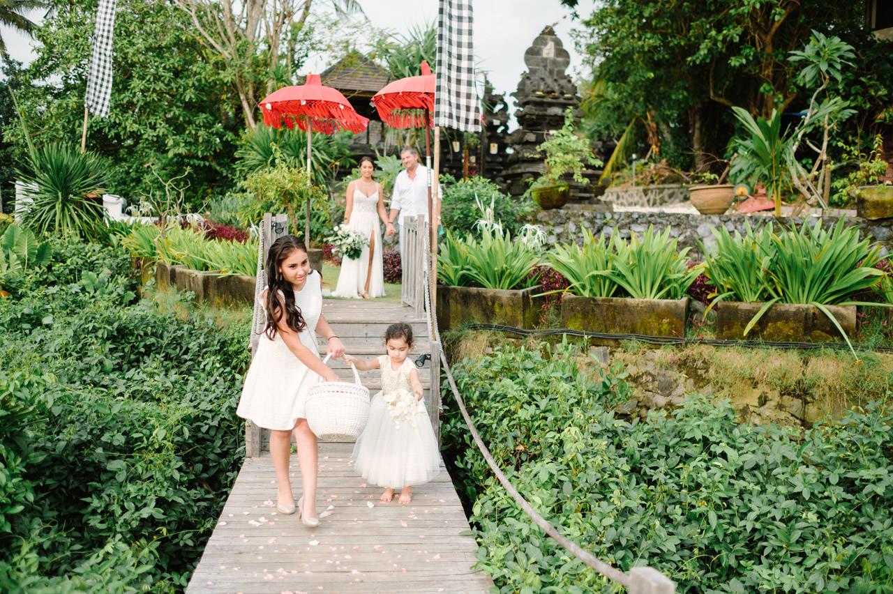 S&K: Bali Barefoot Wedding at Sungai Tinggi Beach Villa 35