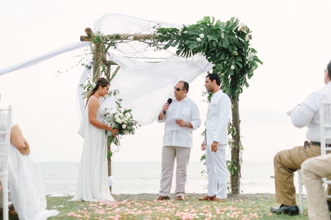 S&K: Bali Barefoot Wedding at Sungai Tinggi Beach Villa 38