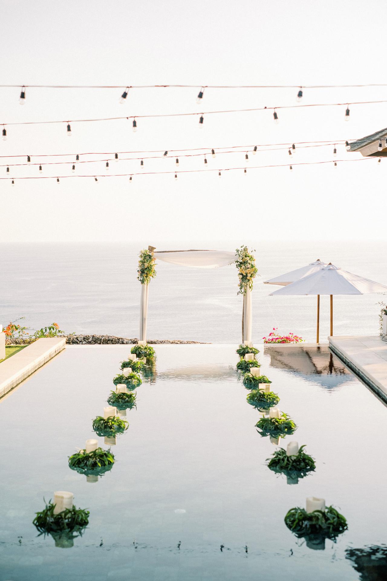 Sol y Mar - Bali Cliff-top Wedding 18