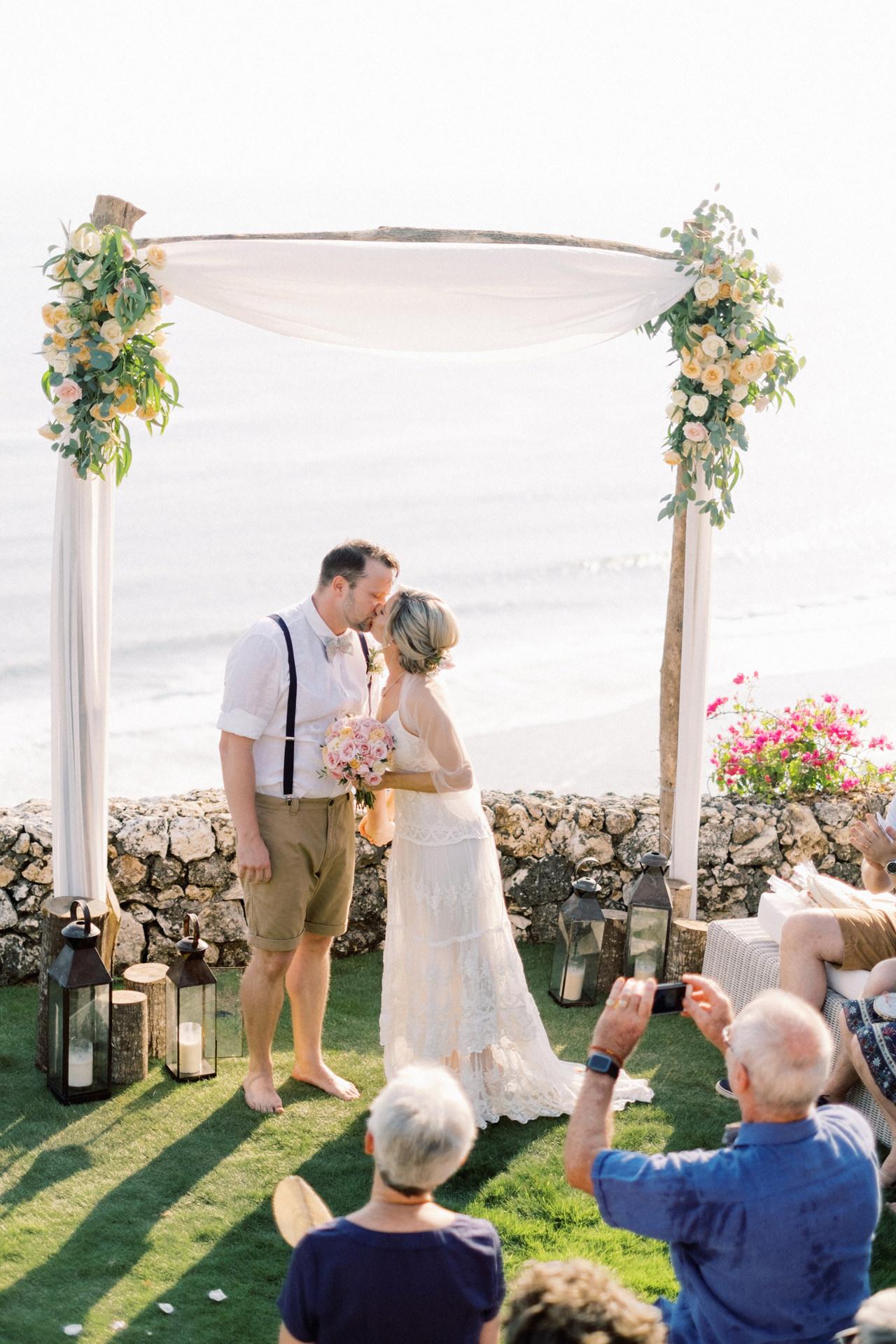 Sol y Mar - Bali Cliff-top Wedding 27