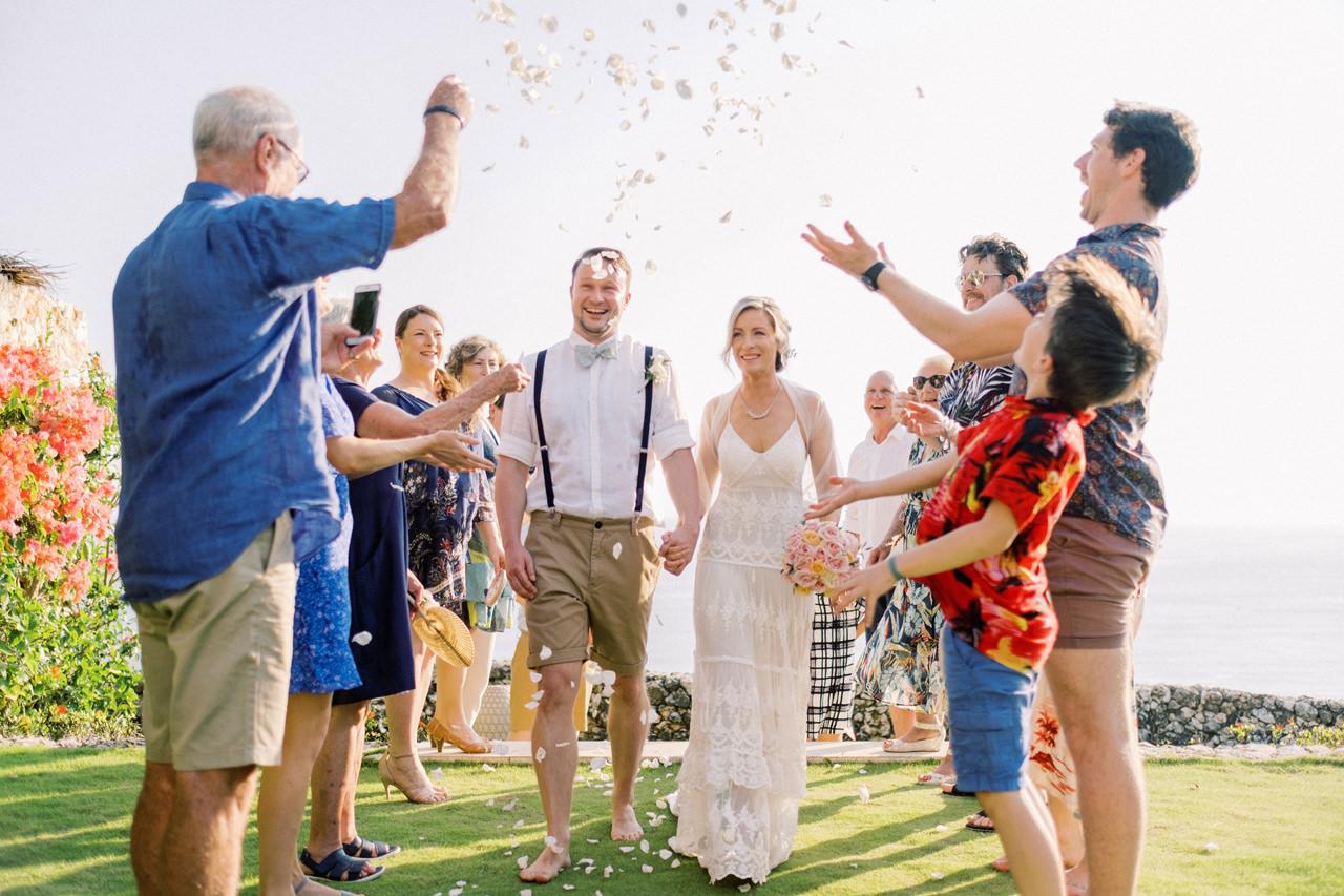 Sol y Mar - Bali Cliff-top Wedding 28