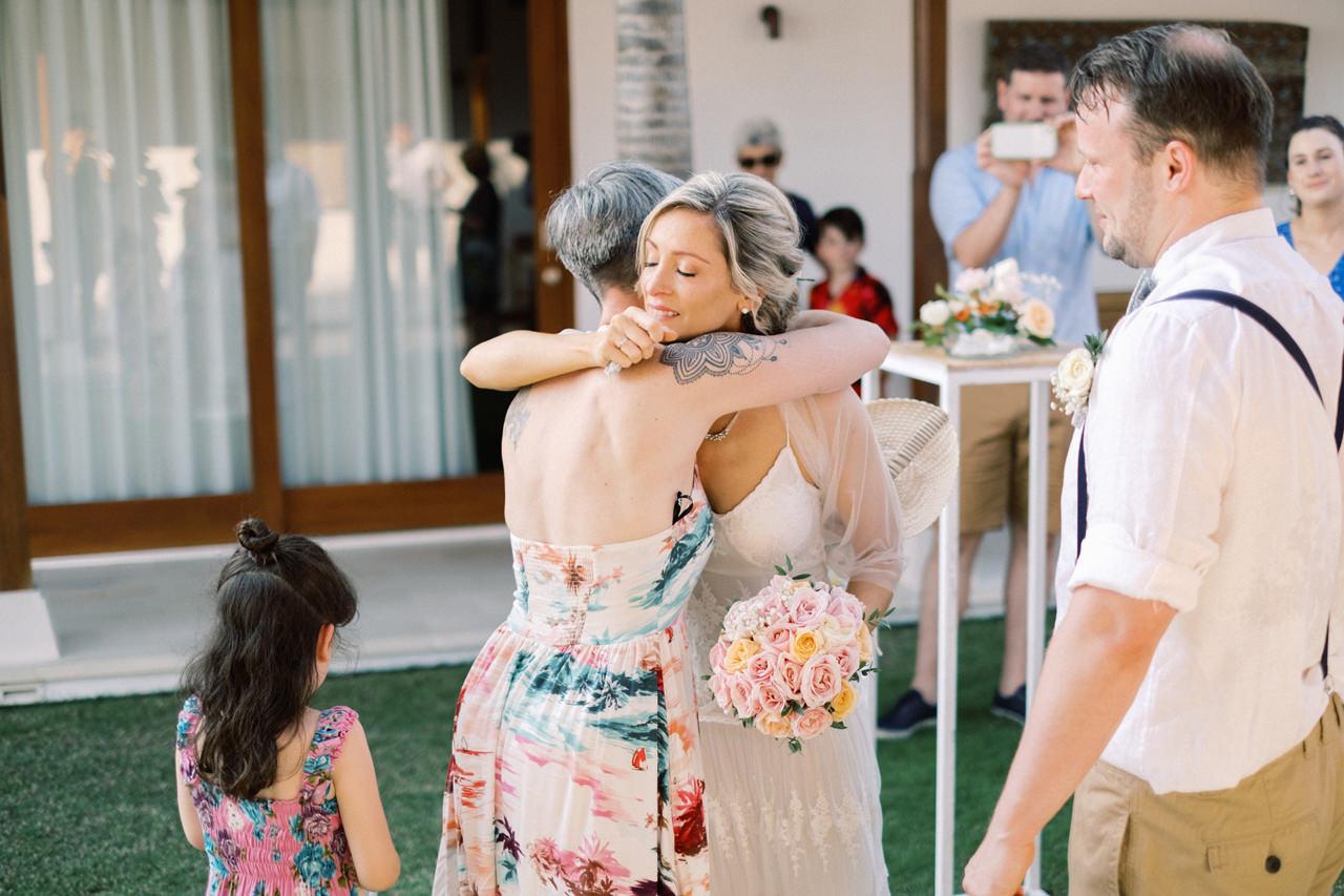Sol y Mar - Bali Cliff-top Wedding 30
