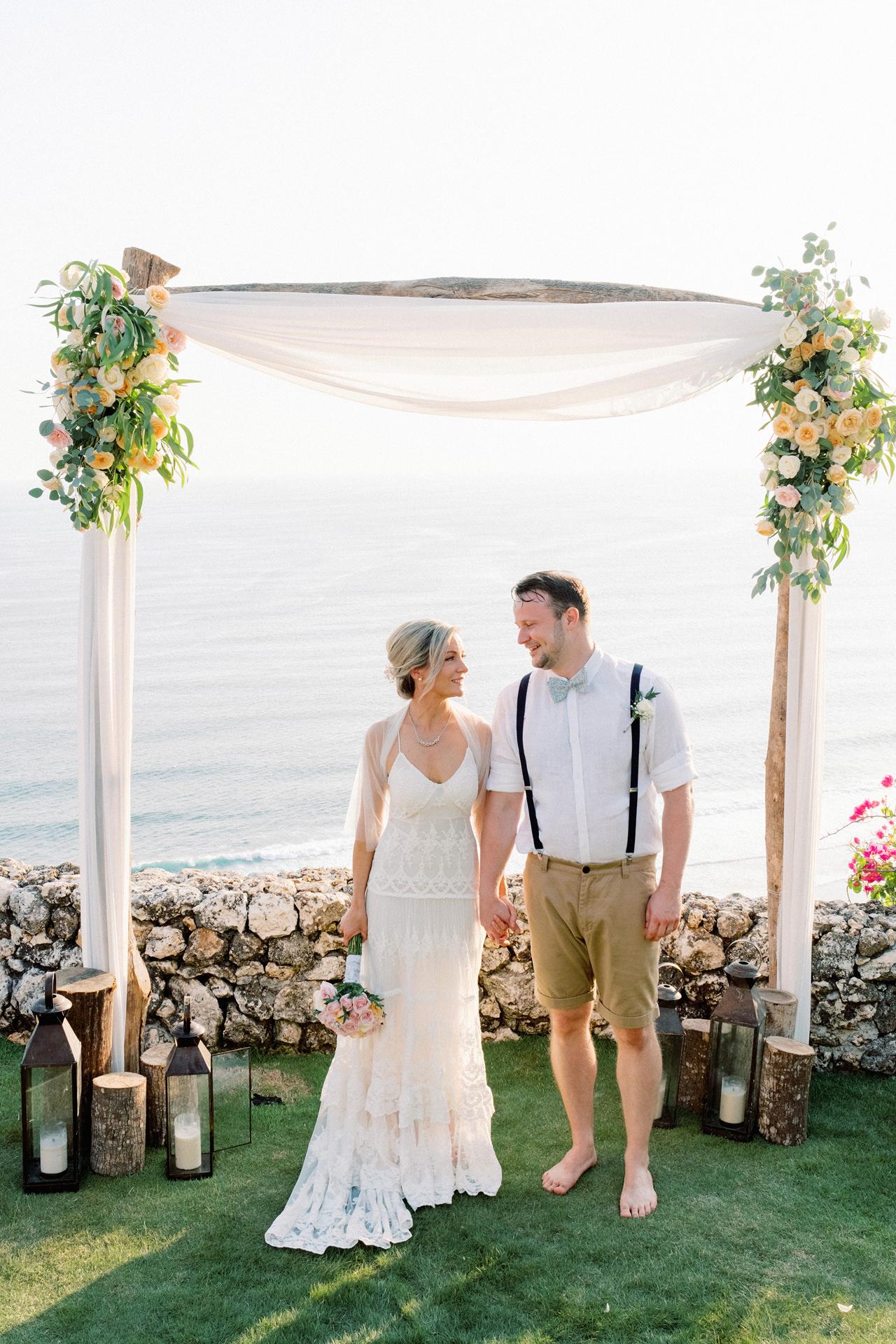 Sol y Mar - Bali Cliff-top Wedding 33