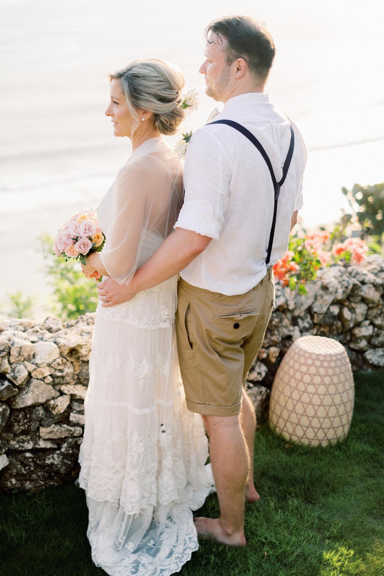 Sol y Mar - Bali Cliff-top Wedding 34
