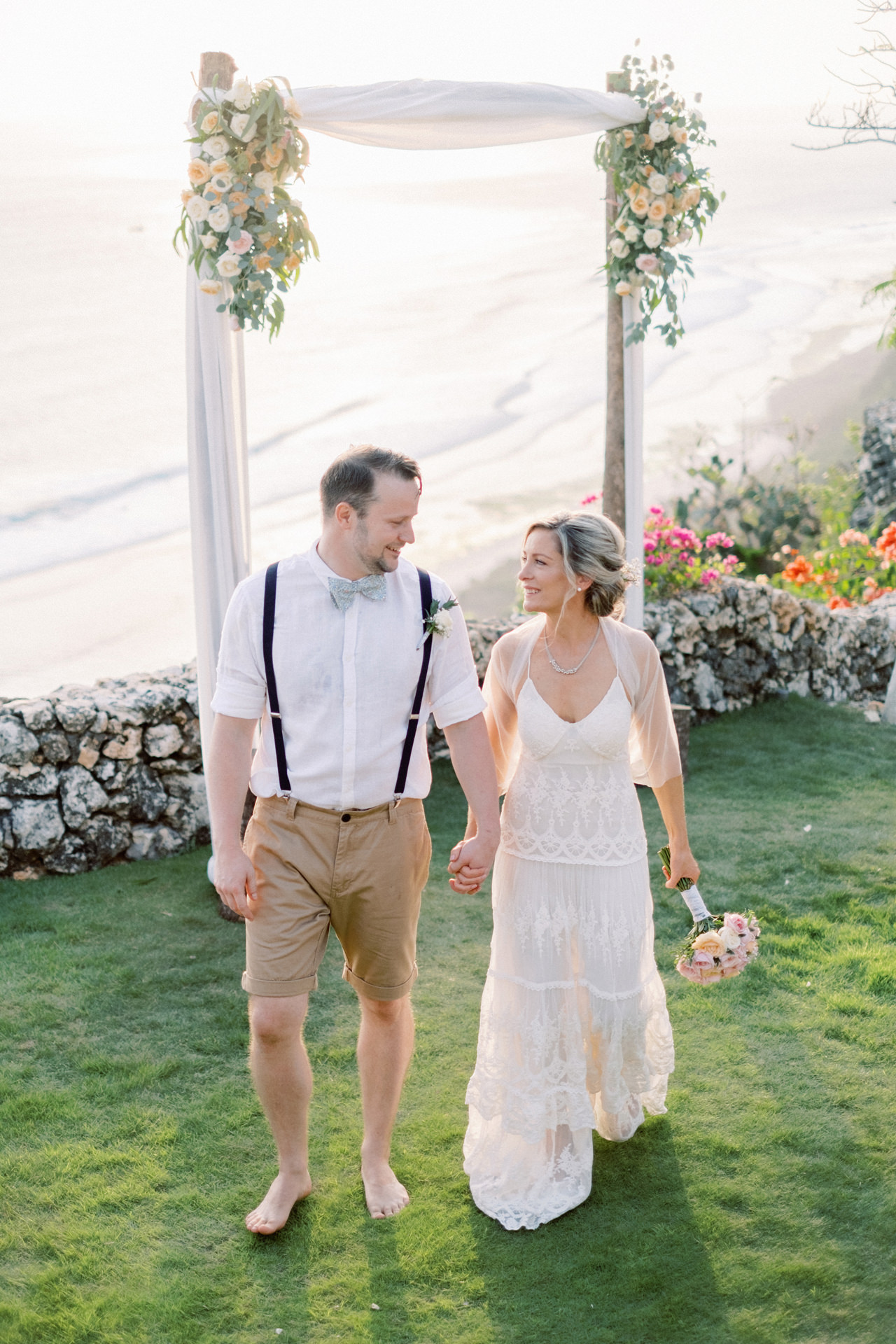 Sol y Mar - Bali Cliff-top Wedding 35