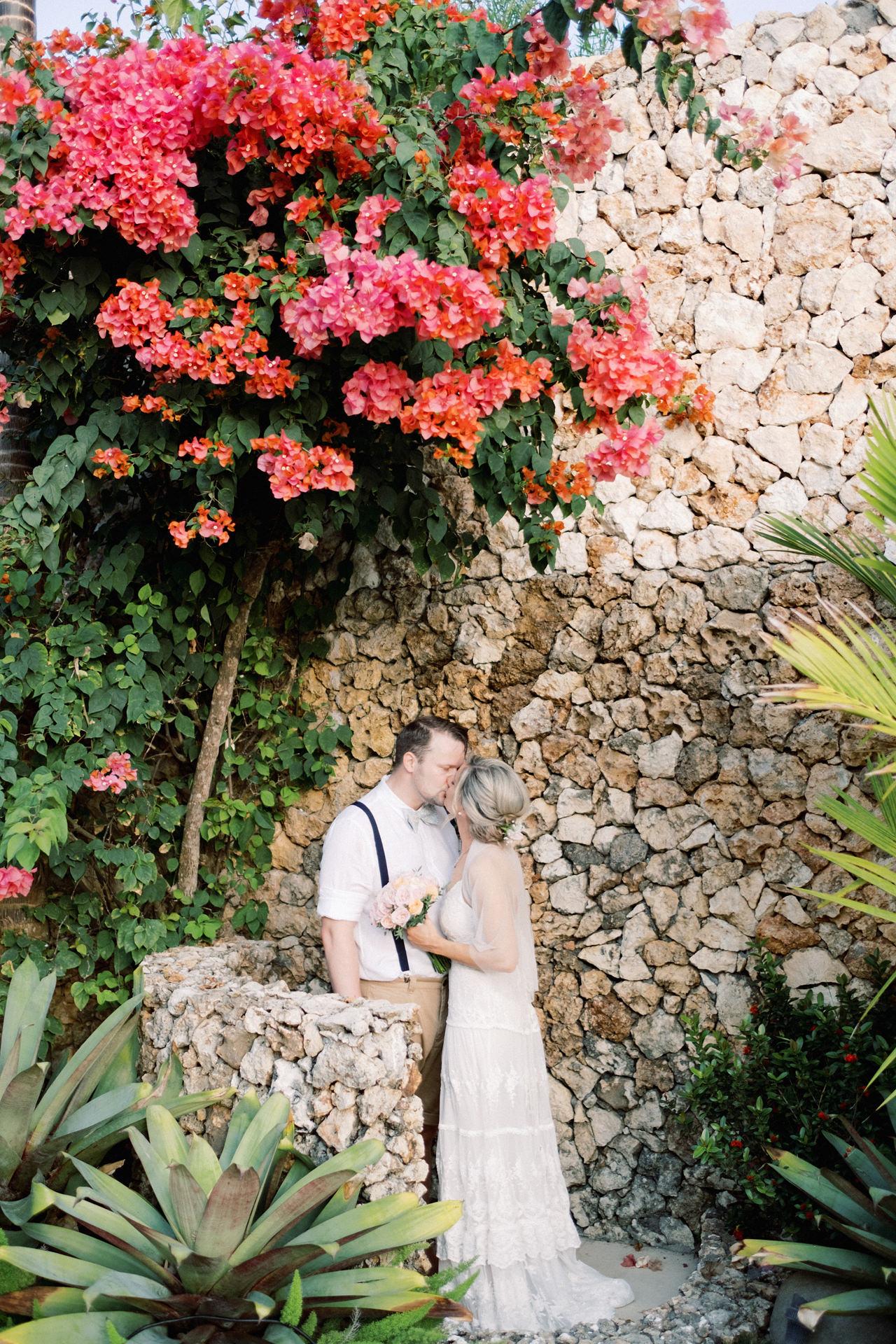 Sol y Mar - Bali Cliff-top Wedding 37
