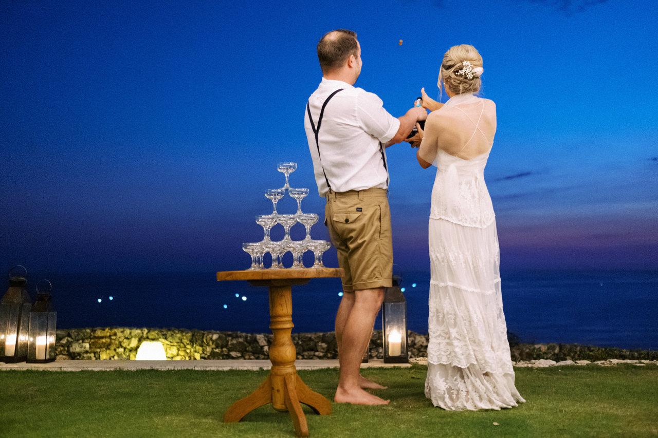 Sol y Mar - Bali Cliff-top Wedding 50