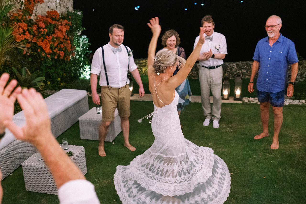 Sol y Mar - Bali Cliff-top Wedding 60