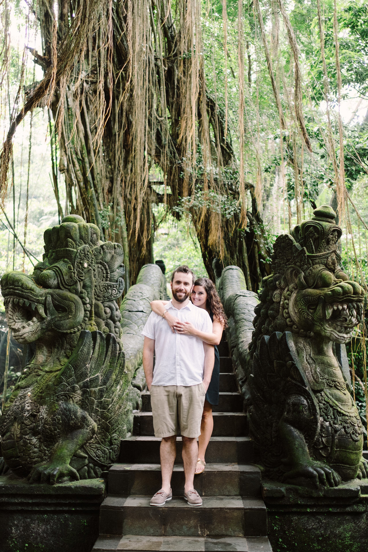 S&T: Bali Honeymoon Photography in Monkey Forest as Wedding Present 1