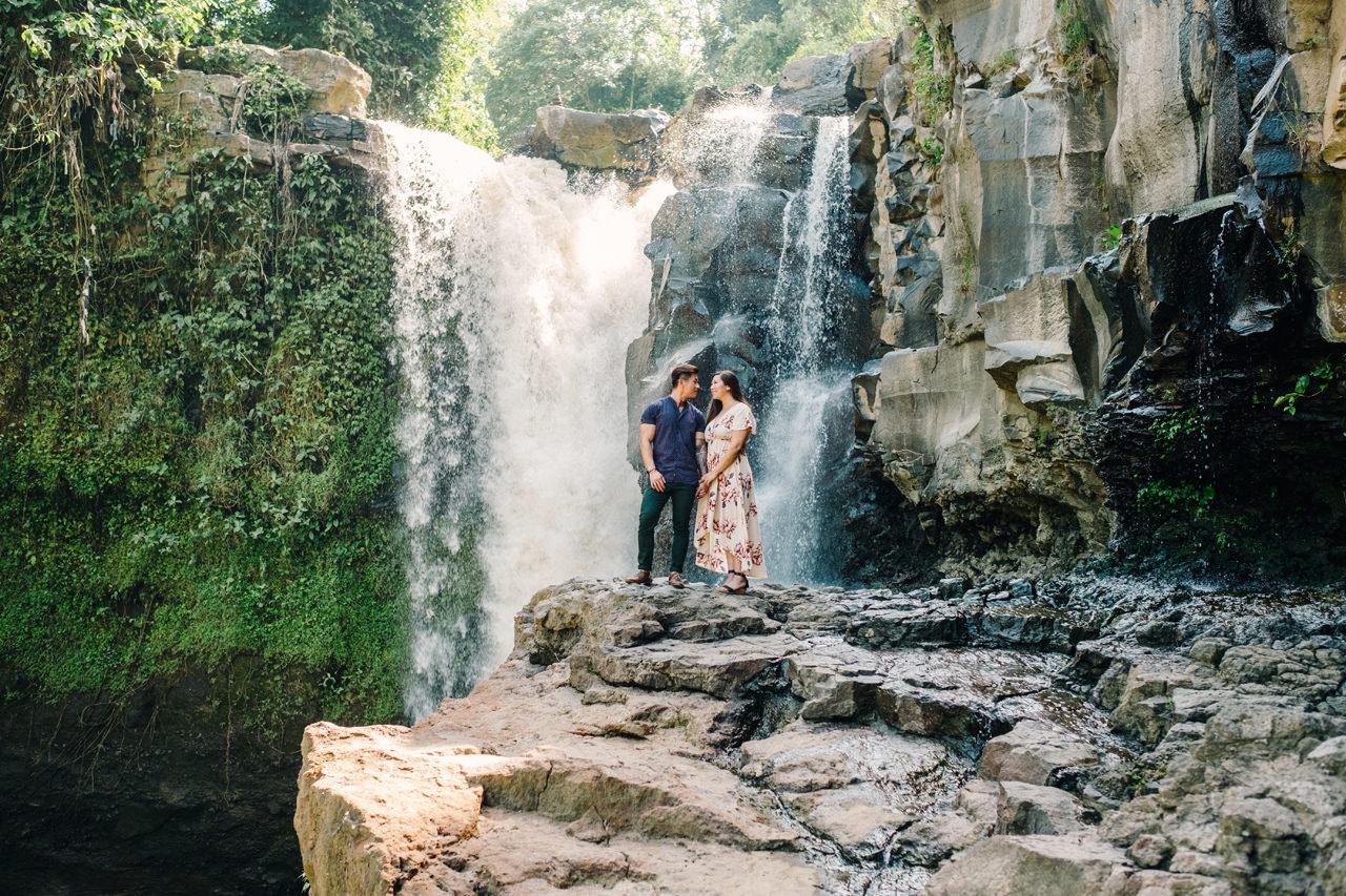 V&T: Romantic Ubud Getaway Couple Photography 10