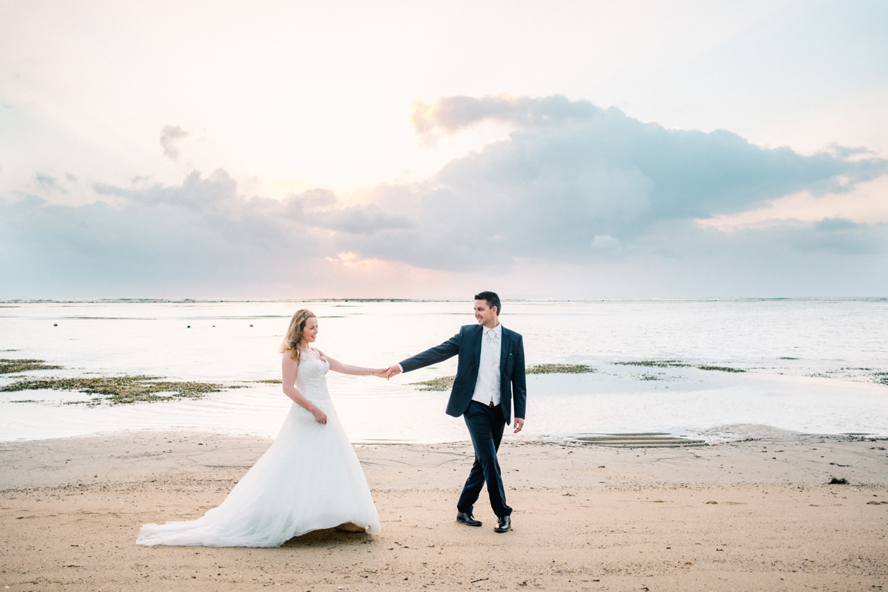 W&I: Sanur Beach Honeymoon Photo Session 1
