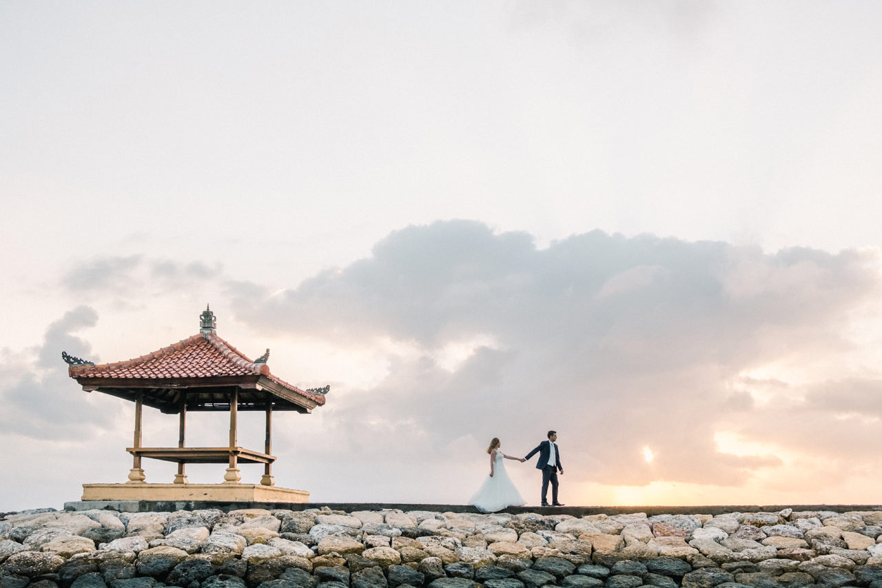 W&I: Sanur Beach Honeymoon Photo Session 3