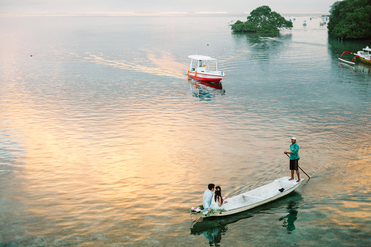 W&J: Sunrise Engagement Photography at Nusa Lembongan 3