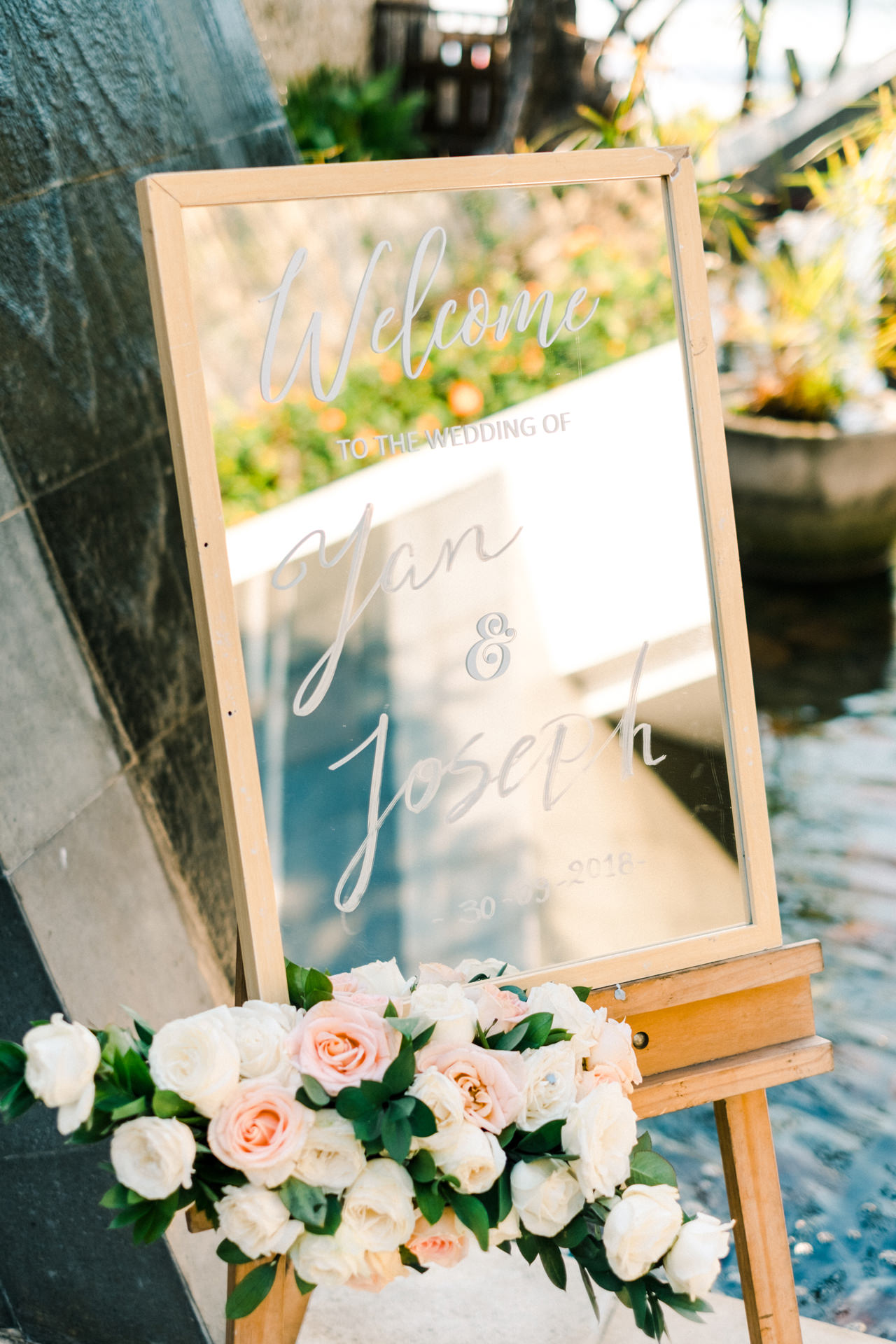 Y&J: Cliffside Anantara Uluwatu Wedding 16